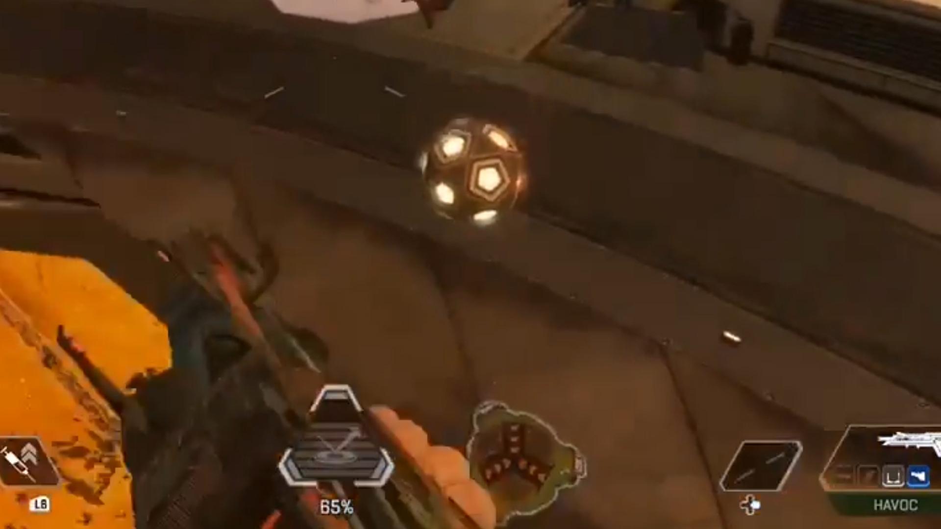 【コント】敵を倒すために置いたジャンプパッドがカーゴボットをマグマに落とす動画